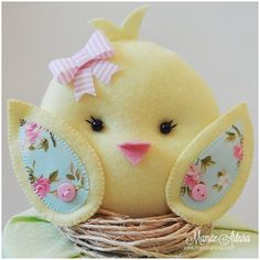 See related links to what you are looking for. Felt Diy, Felt Crafts, Easter Crafts, Diy And Crafts, Arts And Crafts, Baby Shawer, Felt Patterns, Ideas Para Fiestas, Felt Fabric