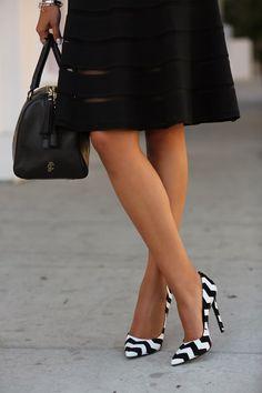 Black & White Chevron Print Heels  #Chevron #Shoes #Pumps
