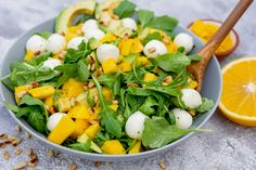 Rucola-Mango-Salat mit Pinienkernen, Avocado und Orangendressing The fruity orange dressing goes won Buttery Cornbread Recipe, Southern Cornbread Recipe, Honey Cornbread, Homemade Cornbread, Mango Salat, Avocado Salat, Chicken Wrap Recipes, Potato Recipes, Vinaigrette