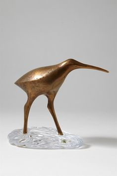 Sculpture Suokurppa (Marsh Snipe), designed by Tapio Wirkkala, Finland. Animal Sculptures, Sculpture Art, Artistic Installation, Wow Art, Glass Ceramic, Painted Paper, Ceramic Artists, Mid Century Design, Glass Design