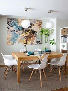 Una reforma integral transformó este piso antiguo, mal distribuido, en una vivienda familiar cómoda y funcional. Dining Room Inspiration, Home Decor Inspiration, Dining Chairs, Dining Table, Eames Dining, Room Chairs, Dining Area, Dinner Room, Rustic White