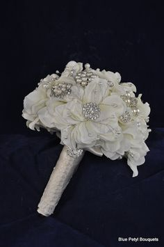 Magnolia Bling Brooch Bouquet with Calla Lilies #bridal #bouquet