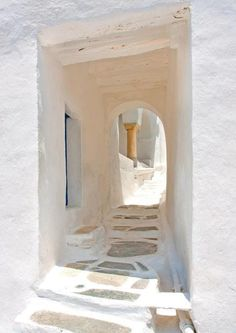 Completely white. Paros island, Greece. - Selected by www.oiamansion.com in Santorini.