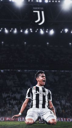 Soccer Images, Soccer Pictures, Football Is Life, Football Memes, Juventus Fc, Ronaldo Football, Football Soccer, Shaolin Soccer, Juventus Wallpapers