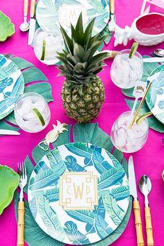 Throw a Palm Beach Chic Party! Palm Beach Decor, Photos Bff, Beach Photos, Tropical Party, Party Entertainment, Beach Party, Tiki Party, Party Party, Decoupage
