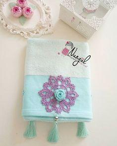 Fotoğraf açıklaması yok. Crochet Towel, Knit Crochet, Bathroom Towels, Coin Purse, Projects To Try, Bargello, Knitting, My Style, Pattern