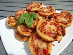 Taikakaulin: Kinkkukierteet Baked Potato, Potatoes, Baking, Ethnic Recipes, Food, Bread Making, Meal, Patisserie, Potato