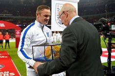 Wayne Rooney: England's Greatest Ever Striker? Wayne Rooney, England, Baseball Cards, Sports, Hs Sports, English, Sport, British, United Kingdom
