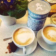 O café aqui de casa tá fazendo bonito  Cappuccino feelings #cappuccino #homeoffice #coffeebreak by salesmarina