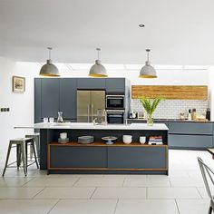 Looking for grey kitchen ideas? If you're looking for an alternative to white kitchen units, you can't go wrong with grey cabinetry and grey kitchen tiles Kitchen Ikea, Kitchen Units, Open Plan Kitchen, Kitchen Living, New Kitchen, Kitchen Interior, Kitchen Decor, Kitchen Island, Island Stools
