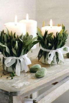 Best Wedding Reception Decoration Supplies - My Savvy Wedding Decor Deco Floral, Floral Design, Floral Arrangements, Table Arrangements, Christmas Diy, Christmas Tables, Summer Christmas, Nordic Christmas, Christmas Candle