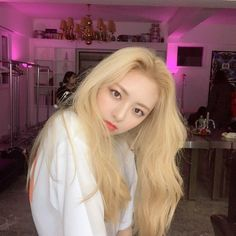 Uploaded by 🥤. Find images and videos about kpop, itzy and yuna on We Heart It - the app to get lost in what you love. Kpop Girl Groups, Korean Girl Groups, Kpop Girls, Soyeon, New Girl, Girl Crushes, Hairdresser, Hair Beauty, Fandom