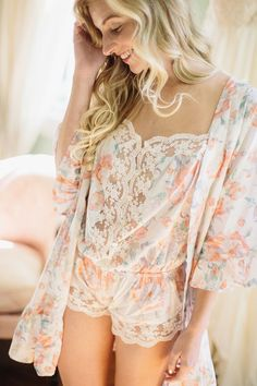 Cute robe and romper for lounging | Giveaway from Plum Pretty Sugar | Delicate Bridal Inspiration with Plum Pretty Sugar and Aisle Society | Kelly Sauer Photography