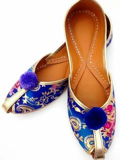 Are you looking for gold jutti Want to know more about --- Cute Flats, Cute Heels, Pretty Shoes, Beautiful Shoes, Indian Shoes, Shoe Collection, Wedding Shoes, Casual Shoes, Fashion Shoes