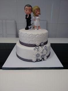 Tarta de 25 aniversario de boda. Realizada por Bárbara. #tarta #25aniversario #aniversario #boda #fondant #FerHoDols