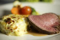 Feines Essen im UTO KULM auf dem Uetliberg: http://www.utokulm.ch/restaurant/schlemmermenu/