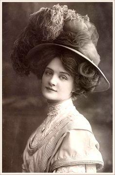 vintage woman....Love the hair/hat