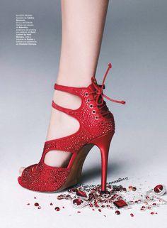 Tabitha Simmons sandal | Harper's Bazaar Spain December 2013