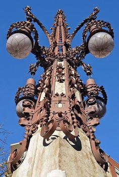 Gaudi - Barcelona.Faroles,sus primero trabajos como arquitecto