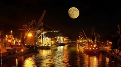 https://flic.kr/p/KgtRZM | Night Docks | www.instagram.com/vitorjkphotography/ -00- vitorjkworld.blogspot.pt/ - twitter.com/VitorJunqueira www.facebook.com/VitorjkPhotography/photos/a.176407379193... -