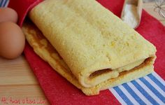 La Pasta Biscotto è una preparazione base utilizzata in pasticceria per preparare rotoli di vario genere. E' una pasta sottilissima, morbida ed elestica, s