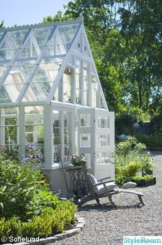This is a dream of design, size and scope. A proper conservatory. Yes an orangerie for exotics, bonsai, citrus trees, and winter gardening . Greenhouse Shed, Greenhouse Gardening, Greenhouse Wedding, Outdoor Rooms, Outdoor Gardens, Outdoor Living, Garden Cottage, Home And Garden, What Is A Conservatory