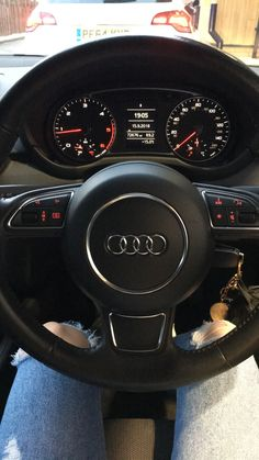 Discover recipes, home ideas, style inspiration and other ideas to try. My Dream Car, Dream Cars, Best Car Interior, Girls Driving, Cute Car Accessories, Leder Outfits, Car Goals, Audi A3 Sportback, Audi A1