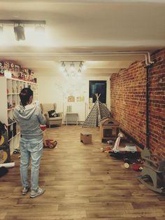 Desk, Furniture, Home Decor, Europe, Homemade Home Decor, Desktop, Writing Desk, Home Furnishings, Office Desk