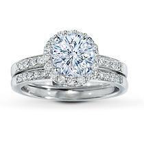 Pretty! Engagement ring and wedding band set. Aquamarine perfect