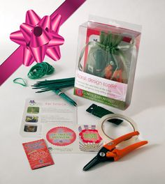 Send a Toolkit as the Perfect Gift! Learn to arrange flowers with Sarah von Pollaro - Here's her Floral Design Toolkit