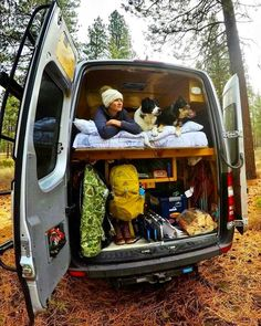 How To Van Life With A Dog Tips and tricks for living the with a dog. Use these hacks to keep your pet happy in a diy campervan conversion or on an RV road trip. Advice for where to leave them in parks where dogs are not welcome. How to keep a dog Rv Camping Checklist, Camping List, Camping Car, Camping Hacks, Camping Ideas, Camping Store, Camping Packing, Backpacking, Camping Trailers