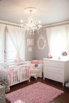 Chambre de bébé fille pour celles qui rêvent d'être princesses