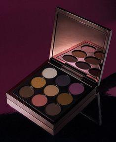 #Aaliyah #MAC #Collection #eyeshadowpalette #browneyeshadows #makeup #Aaliyahmakeup #90smakeuptrends #plumeyeshadows