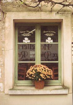 WINDOW (by green_is_in, via Flickr)