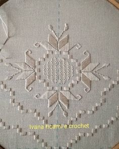 Bargello, Swedish Weaving, Hardanger Embroidery, Labor, Needlework, Diy And Crafts, Cross Stitch, Couture, Sewing