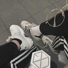 #EXOgoods #EXOthings #EXOlightstick Gray Aesthetic, Korean Aesthetic, Aesthetic Photo, Aesthetic Pictures, Lightstick Exo, Baekhyun, Exo Fanart, Exo Merch, Xiuchen