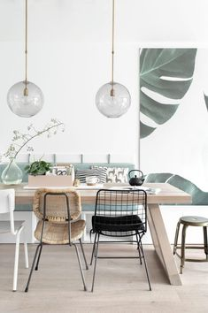 Get inspired by these dining room decor ideas! From dining room furniture ideas, dining room lighting inspirations and the best dining room decor inspirations, you'll find everything here! Dining Room Wall Decor, Dining Room Lighting, Dining Room Design, Dining Room Furniture, Dining Rooms, Room Chairs, Decor Room, Dining Tables, Furniture Ideas