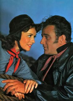 Reap the Wild Wind - John Wayne and Paulette Goddard