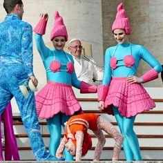Gli #artisti del #circo da #Papa #Francesco #Pope #Francis #circus #Vatican #life #love #girls #artists #photoftheday #bestpictures Guarda su ANSA.IT le grandi foto dal mondo #Vaticano