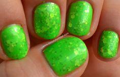 glitter sandwich, green nails #nails #nailart #glitter #manicure #beauty