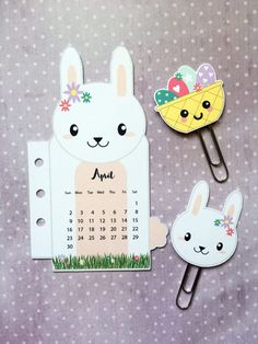FREE Bunny rabbit calendar divider with paperclips to celebrate springs arrival in your planner - PDF printable - Get a new one every month! Free Planner, Happy Planner, Printable Planner, Free Printables, Planner Ideas, Planner Layout, Planner Stickers, Paper Clips Diy, Paper Clip Art