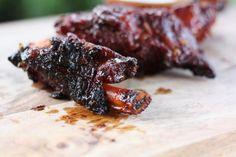 Smoky Beef Ribs with Sriracha BBQ Beer Sauce | KitchenDaily.com