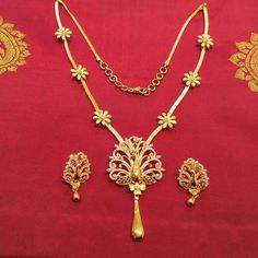 Jewellery Box Australia except Jewellery Exchange Aventura either Gold Necklace Set Flower into Jewellery Online Kerala Gold Earrings Designs, Gold Jewellery Design, Necklace Designs, Gold Jewelry, Jewellery Box, Jewellery Earrings, Jewellery Shops, Damas Jewellery, Jewellery Exhibition