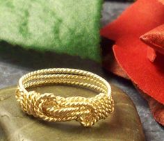 14K Gold Filled Knot Ring, Love Knot ring, Twisted Knot Ring