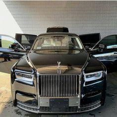 Obtain terrific tips on expensive cars. They are actually offered for you on our website. Rolls Royce Phantom, Rolls Royce Wraith, Ferrari California, Fancy Cars, Cool Cars, Maserati, Bugatti, Ferrari F40, Lamborghini Gallardo