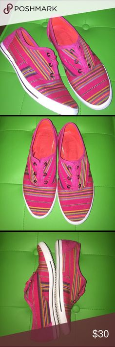 Bright Pink Canvas Sneakers Your spring outfits are begging for these colorful additions. Wear with ankle length pants, leggings or skinny jeans. A Then pair with fun summer dresses. Why wait? You need a reason to smile. Gently used. Look like new except for a little  color transfer on the heel. Shoes Sneakers