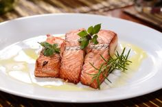 Try one of our air fryer salmon recipes for dinner today. Whether you prefer your salmon plain, with Lemon Rosemary, or Honey Ginger, air fry it. Salmon Recipes, Fish Recipes, Seafood Recipes, Sauce Creme, Dinner Today, Glazed Salmon, Smoked Salmon, Roasted Salmon, Cooking Salmon