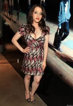 10 Amazing Milky Cleavage Pictures of Kat Dennings – Hot Actress Gallery Beautiful Celebrities, Beautiful Actresses, Gorgeous Women, Kat Dennings Pics, Kat Dennigs, Two Broke Girl, Female Movie Stars, Cleavage Hot, Hot Actresses
