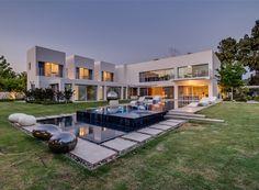 "Modern Villa ""Cubes"" In Tel Aviv | World of Architecture"