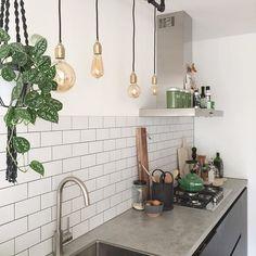 Mijn keuken!  #kijkjeindekeuken #kitchen #kitchenview #keuken #interior #interieur #interiør #roomforinspo #interior4all #ilovemyinterior #interiorwarrior #vintage #industrialkitchen #metrotiles #blackandwhite